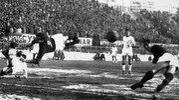 Il gol di Pascutti contro il Mantova nel 1964, anno magico per il Bologna (Olycom)