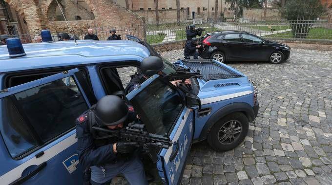 Rischio terrorismo: 26enne accompagnato alla frontiera