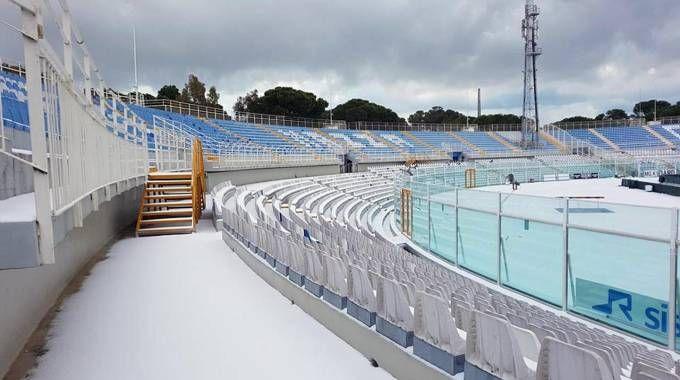 Lo stadio Adriatico imbiancato sabato 7 gennaio (Ansa)