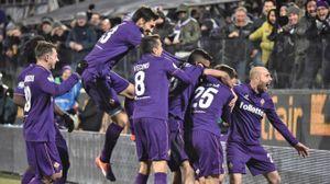 La Fiorentina esulta dopo la vittoria contro la Juve