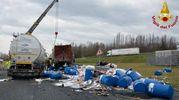 Incidente tra tir in A1 a Modena (foto Vigili del fuoco)