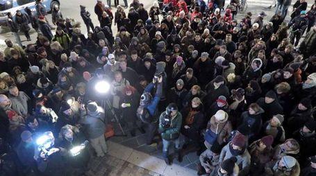 la folla in piazza Tre Martiri per Gessica Notaro