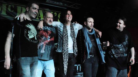 Maurizio Solieri insieme alla sua band