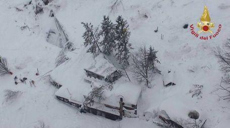L'albergo Rigopiano di Ferindola colpito da una slavina