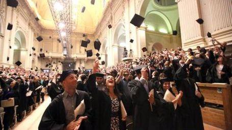 Un momento di festa dei neolaureati (foto di repertorio, fonte Ansa)