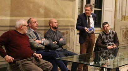 """La presentazione del libro """"Pisa non si piega"""""""