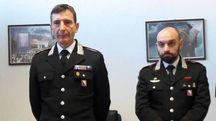Il tenente colonnello Marco Grandini ed il capitano Vitantonio Sisto durante al conferenza stampa sugli arresti per droga