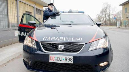 Sul luogo della rapina sono intervenuti i carabinieri di Cantù per tutti gli accertamenti d'obbligo nelle prime fasi