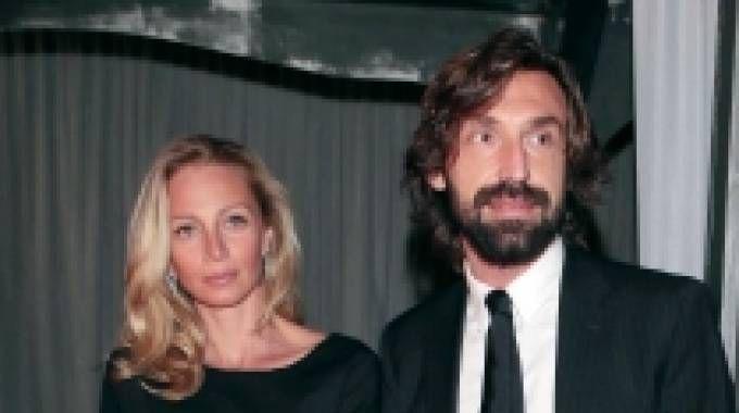 Andrea Pirlo con la compagna Valentina Baldini