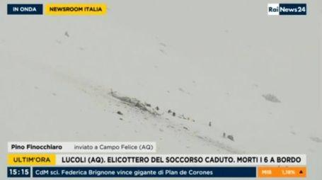 Elicottero caduto a Campo Felice, le immagini di Rainews24
