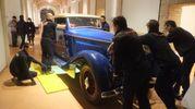 L'Isotta Fraschini cabriolet di colore rosso- blu, otto cilindri con targa 'R.A.52(Foto Frasca/Fantini)