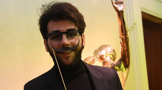 Ignazio Boschetto, uno dei tenori del trio Il Volo, alla mostra Dalì Experience a Bologna (Foto Schicchi)