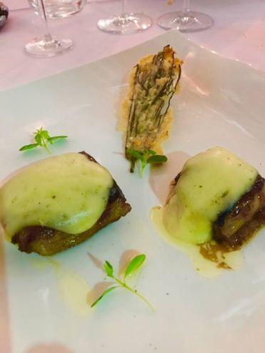 Il 'Segreto Iberico', ossia infracosta di maiale caramellato con salsa di miele di castagne