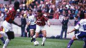 Passa al Milan nell'estate '95 per 18 miliardi di lire: in rossonero resterà due anni, vincendo uno scudetto nella stagione '95-'95 (Olycom)