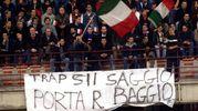 La convocazione di Baggio ai Mondiali del 2002 diventa un affare nazionale: a San Siro i tifosi fanno un appello corale al ct Trapattoni (Ansa)