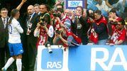 Il giorno del suo addio al calcio, il 16 maggio 2004, Milan-Brescia 4-2,: San Siro lo omaggia con una lunga standing-ovation (Ansa)