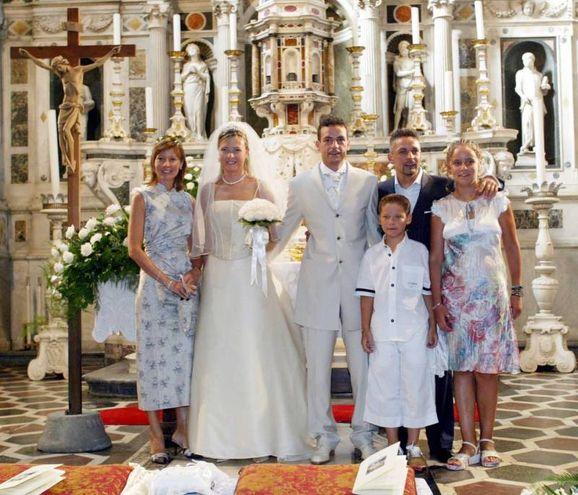 Al matrimonio del fratello Eddy, anche lui calciatore: Roby è il sesto di otto figli (Germogli)