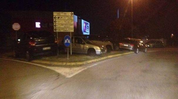 Parcheggio selvaggio in via Filarete