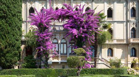 Uno scorcio della villa neogotica di Isola del Garda, costruita dall'architetto Luigi Rovelli all'inizio del '900