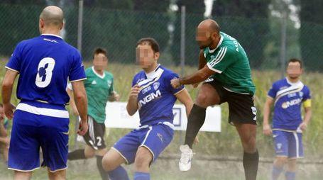 Una partita di calcio del campionato Uisp