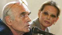 Pasquale Squitieri con Claudia Cardinale (Ansa)
