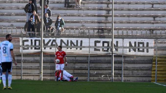 Lo striscione esposto dai tifosi dell'Entella (foto Crocchioni)