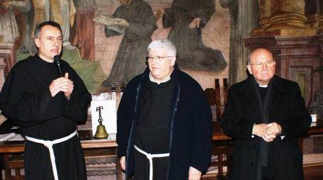 Da sinistra: padre Mauro gambetti, padre Marco Tasca  e il vescovo Domenico Sorrentino
