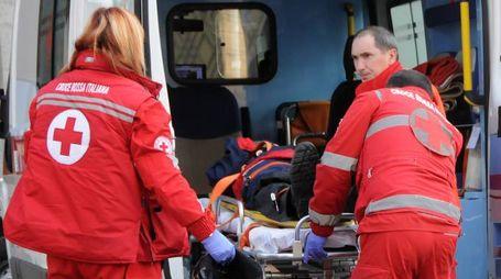 SUL POSTO Sono intervenuti i sanitari,  i vigili del fuoco di Siena e i carabinieri della compagnia di Poggibonsi