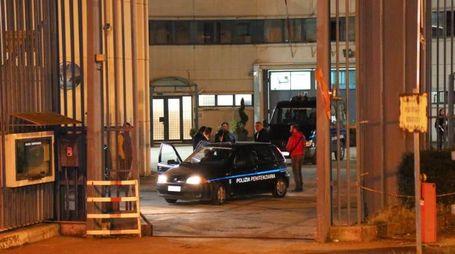 L'ingresso del Carcere di Sollicciano subito dopo l'allarme per la triplice evasione