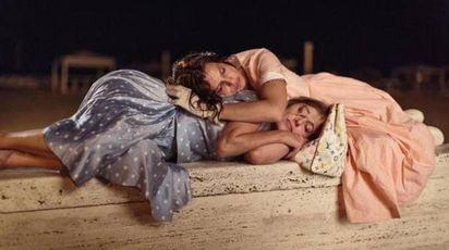 Una foto di scena del film di Paolo Virzì 'La pazza gioia' (Ansa)