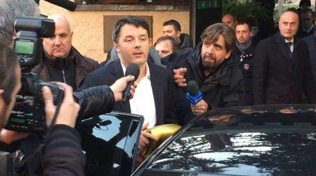Matteo Renzi durante l'assemblea Pd (Ansa)