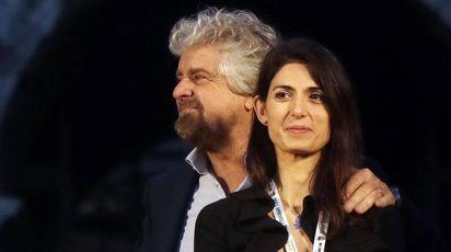 Beppe Grillo con Virginia Raggi (Ansa)