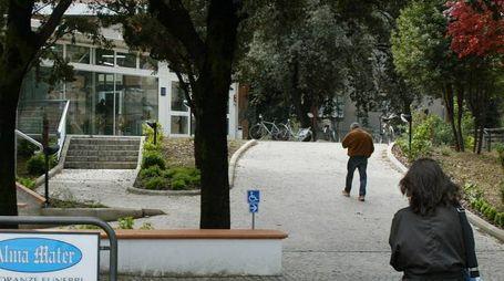 Pesaro, l'entrata dell'ospedale San Salvatore