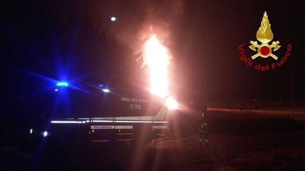 L'incendio nel comune di Cinigiano alla sottostazione di gas metano