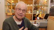 Mario Pastori, 80 anni, scambiato per un morto. L'Inps gli ha chiesto indietro la pensione