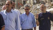 Il commissario per la ricostruzione Errani con il capo della Protezione civile Curcio