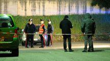 I rilievi sul luogo della sparatoria (foto Calavita)