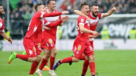 Ascoli-Pisa 2-4: l'esultanza pisana per il terzo gol