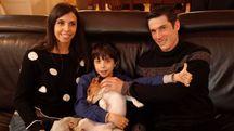 Famiglia Atzeni al completo: Ilaria, Mattia con il cane Rocky e Tittia