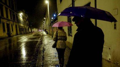 Firenze di notte (foto Cabras/New Pressphoto)