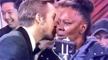 Ryan Gosling e Vicky alla cerimonia degli Oscar 2017 (Twitter)