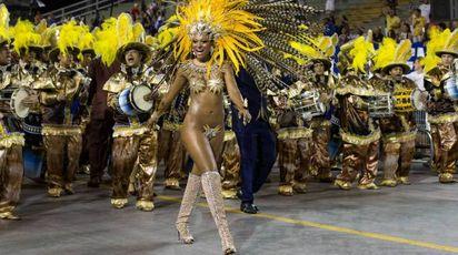 Carnevale, da Trump con Liberty alle bellezze di Rio