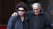 PREOCCUPATI Adriano Celentano e la moglie Claudia Mori