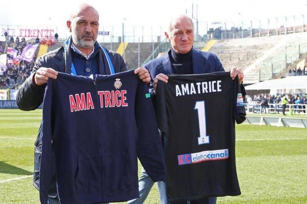 Percassi e il sindaco di Amatrice (Ansa)