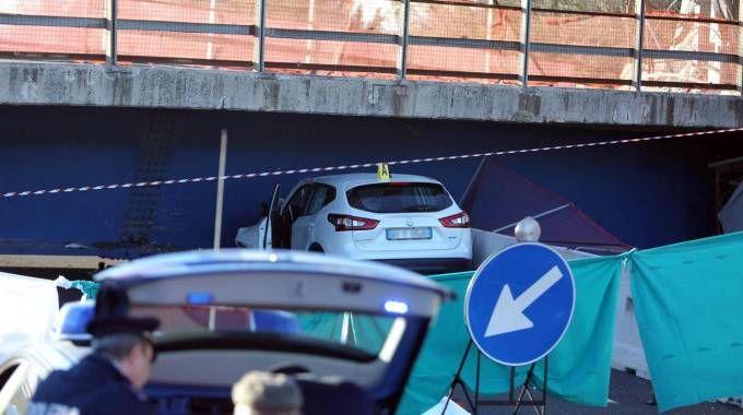 Auto schiacciata su A14 (Ansa)