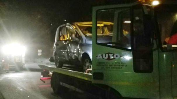 L'automobile coinvolta nell'incidente (foto concessa da Tel