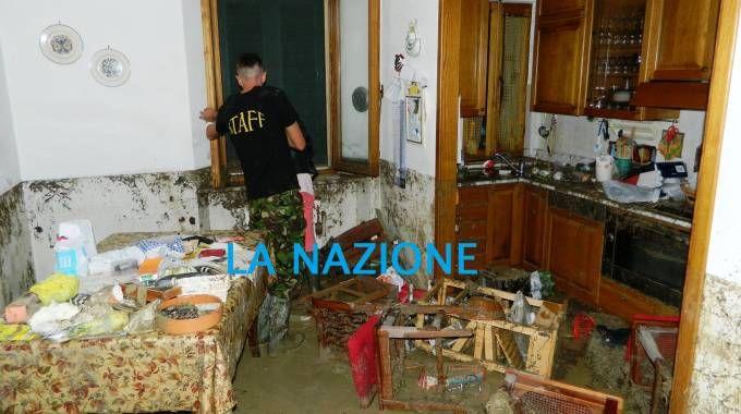 Gli allagamenti a Saline di Volterra: un appartamento