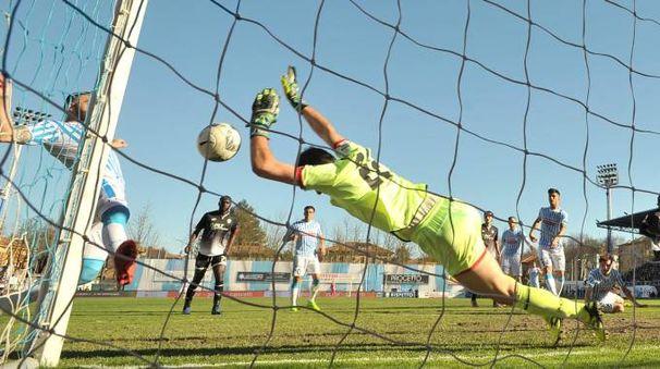 Il gol della Spal, Cesena battuto 2-0 (foto LaPresse)
