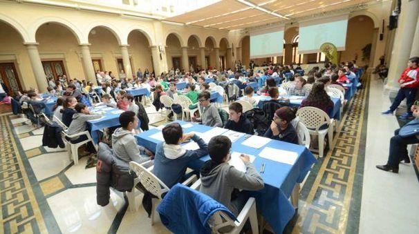 Le gare di matematica si sono svolte nel salone del Grano