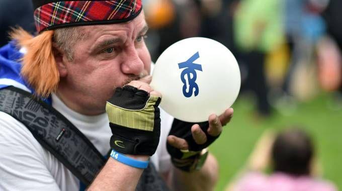 Un indipendentista scozzese (Afp)